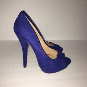 Forever 21 Suede Blue Heels NWT